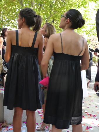 Schwarze kleider zur hochzeit