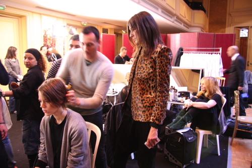 Emmanuelle Alt backstage bei Balmain AW2009