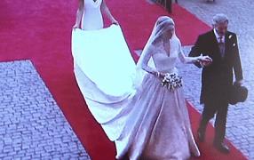 Kate nun doch in Alexander McQueen