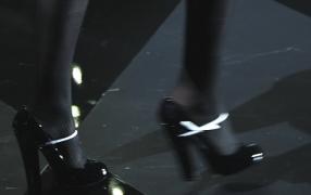 Diebe klauen Louis Vuitton Paletten