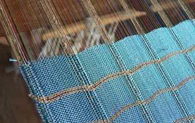 Statt Kaschmir und Seide: Kleidung aus Lotos