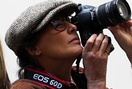 Ines de la Fressange als Photoreporter