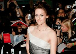 Kirsten Stewart: neues Balenciaga Testimonial