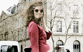 Streetstyle: rotes Kostüm