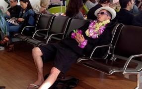 Streetstyle: Hawaii-Blumenkette