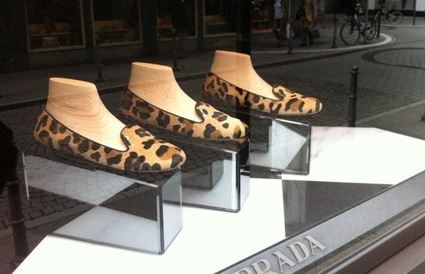 Die neuen Schuhe, Part Three