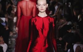 Valentino: Haute Couture + Verkaufsgerüchte