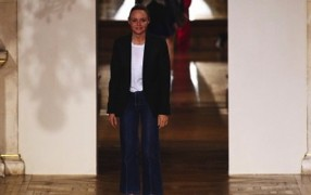 Stella McCartney gewinnt British Fashion Awards