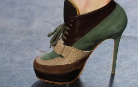 7. Türchen: Acne High Heels