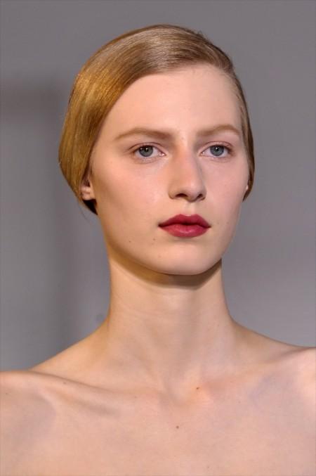 Modepilot-TRend-Beauty-dunbkelrote Lippen-Jil Sander
