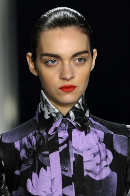 Modepilot-TRend-Beauty-dunbkelrote Lippen-jonathan_saunders_daw12_006