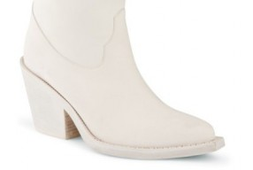acne-modepilot-blog-cowboy-boot-brush-white