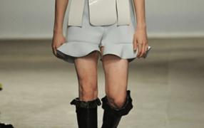 J.W. Anderson: Jungs ausziehen, das sind unsere Kleider!