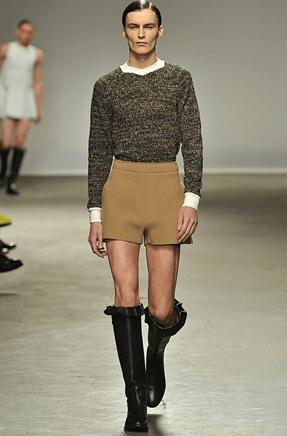 J.W. Anderson: Jungs ausziehen, das sind unsere Kleider
