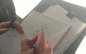 Rena Lange: Kera Till zeichnet live mit