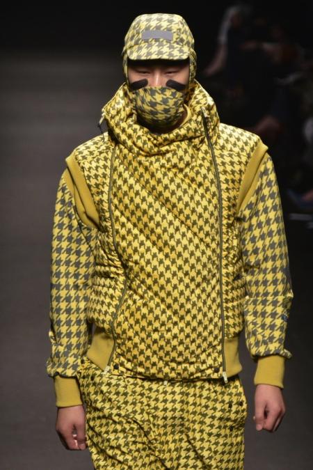 Modepilot-Cagoule-Kapuzenmütze-Fashion-Blog-vivienne_westwood_maw13_0346