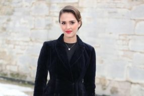 Jessica Alba - Bague PrÇ Catelan - DÇfilÇ HC PE2013