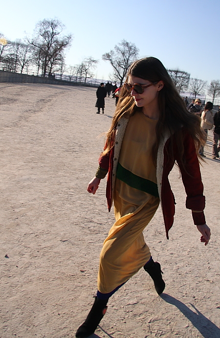 Modepilot-Beiges Kleid-Winter-Streetstyle-Mode-Blog-Fashion-Barbara Markert
