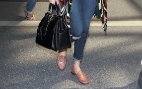 Florence Welch mit Gucci Horsebit Loafers
