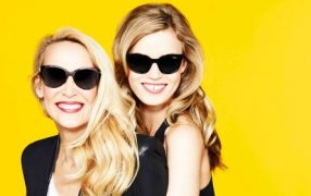Jerry Hall mit Georgia May Jagger für Sunglass Hut
