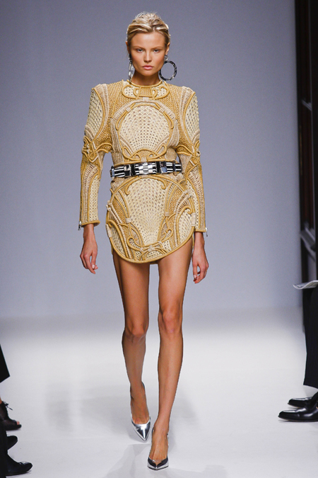Modepilot-Trend-Sommerkleid-Sommer-langärmelig-Fashionweek-Paris-Mode-Blog-Balmain