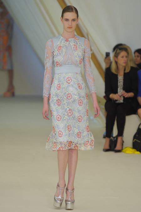 Modepilot-Trend-Sommerkleid-Sommer-langärmelig-Fashionweek-Paris-Mode-Blog-Erdem