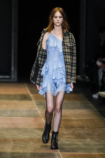 Modepilot-Trend-Grunge-Fashionweek-Paris-Mode-Blog-Saint Laurent