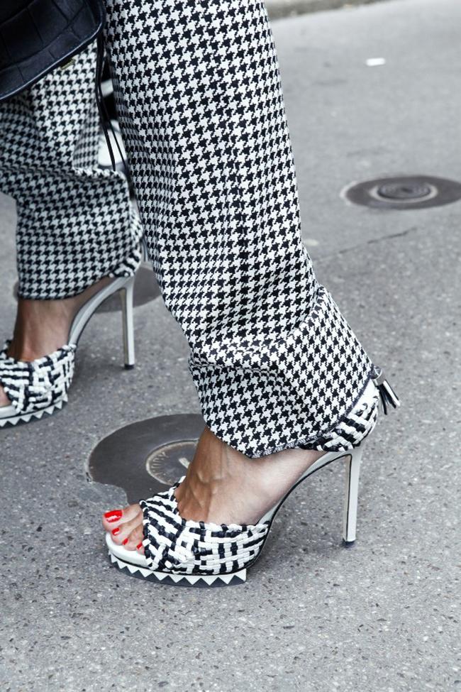 Modepilot-Streetstyle-Hahnentritt-Roter Lack-Fashionweek-Paris-Mode-Blog