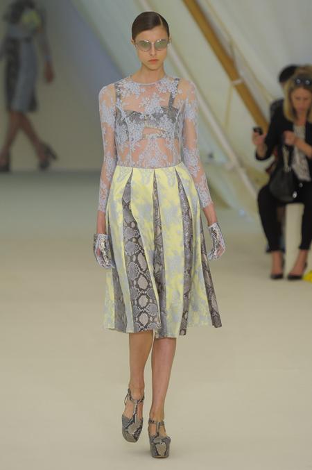 Modepilot-Trend-Kleider-weitschwingend-50er-Fashionweek-Paris-Mode-Blog-Erdem
