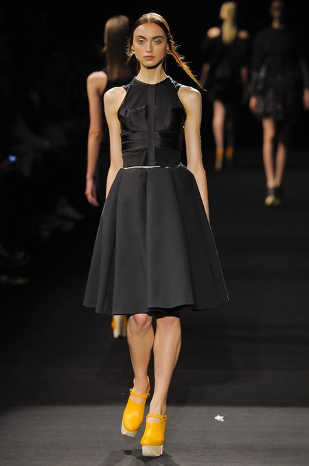 Modepilot-Trend-Kleider-weitschwingend-50er-Fashionweek-Paris-Mode-Blog-Hexa by Kuho