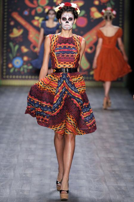 Modepilot-Trend-Kleider-weitschwingend-50er-Fashionweek-Paris-Mode-Blog-Lena Hoschek