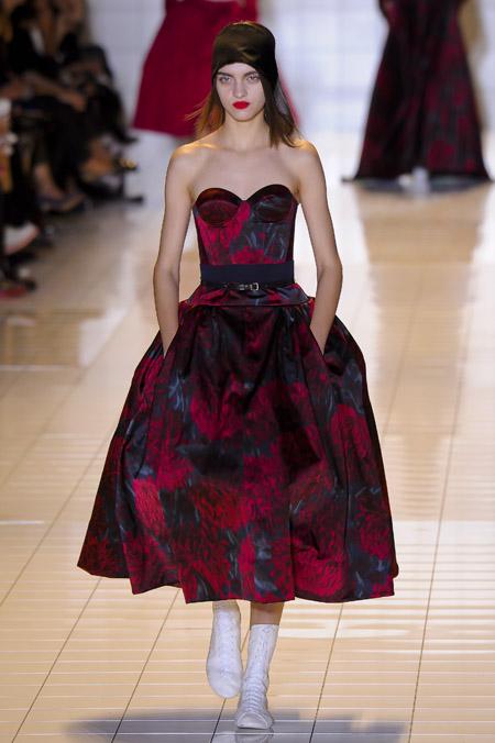 Modepilot-Trend-Kleider-weitschwingend-50er-Fashionweek-Paris-Mode-Blog-Rochas