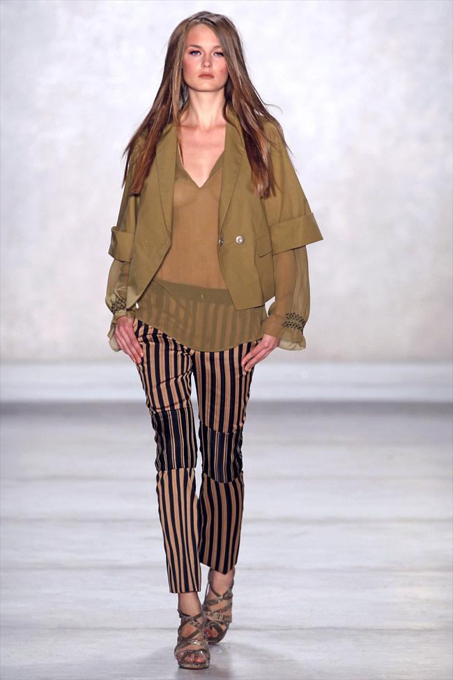 Modepilot-Trend-Streifen-Fashionweek-Paris-Mode-Blog-Schumacher