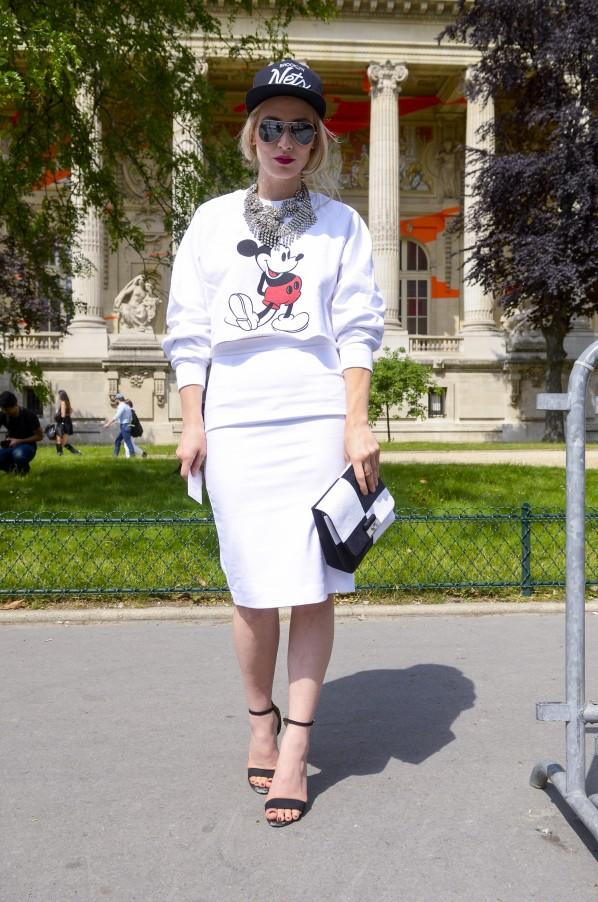 Modeoilot-chanel-Streetstyke-Mickey-Sweater-Mode-Blog