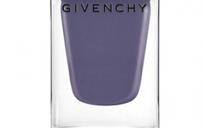 Perfect nail-polish-color: Givenchy N°10