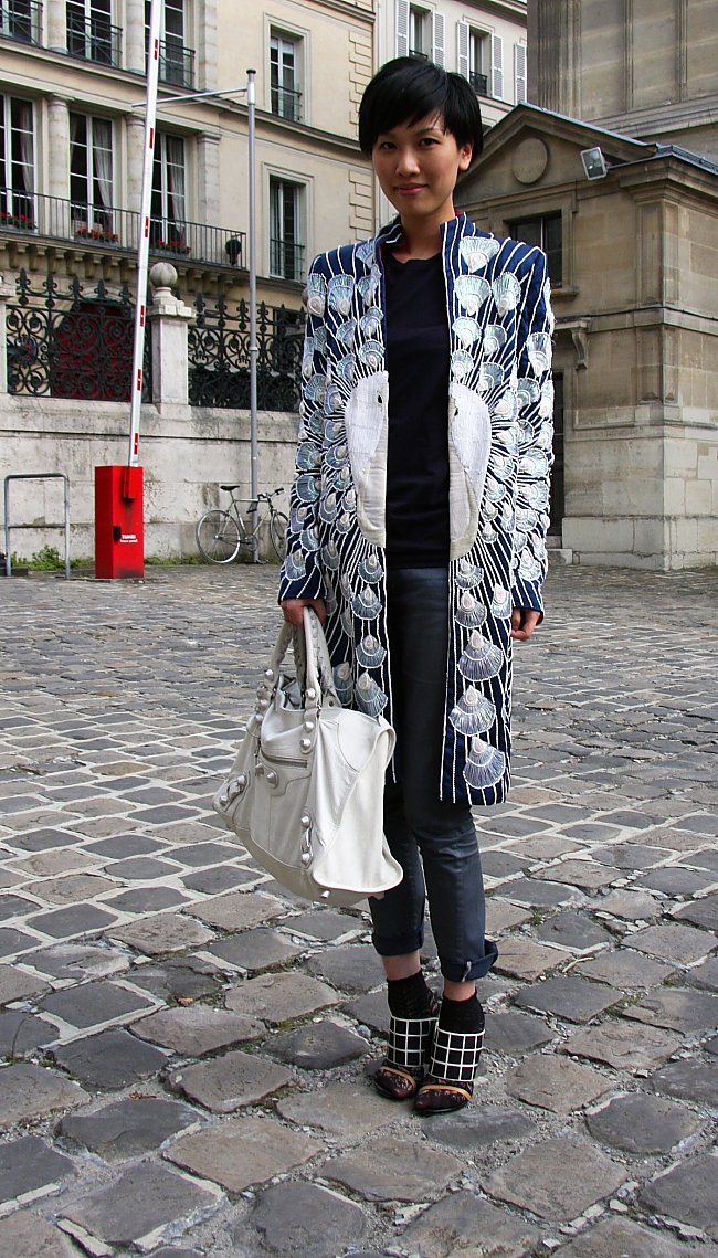 Modepilot-Streetstyle-Barbara Markert-Pfauenmantel-Paris-Haute Couture
