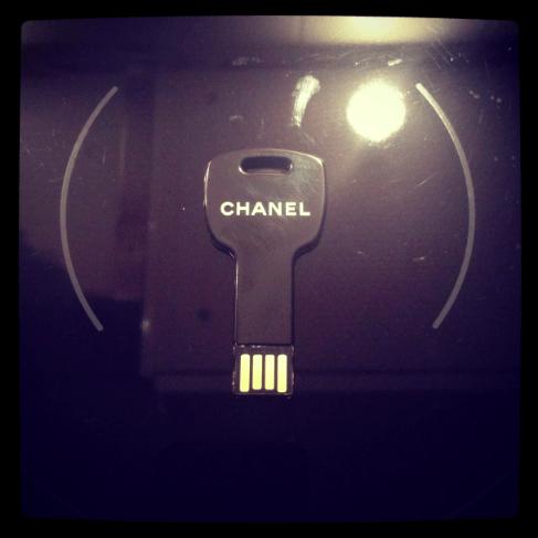 Chanel USB Stick Modepilot
