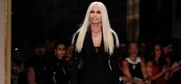 Versace: Grace Jones trifft Lady Gaga