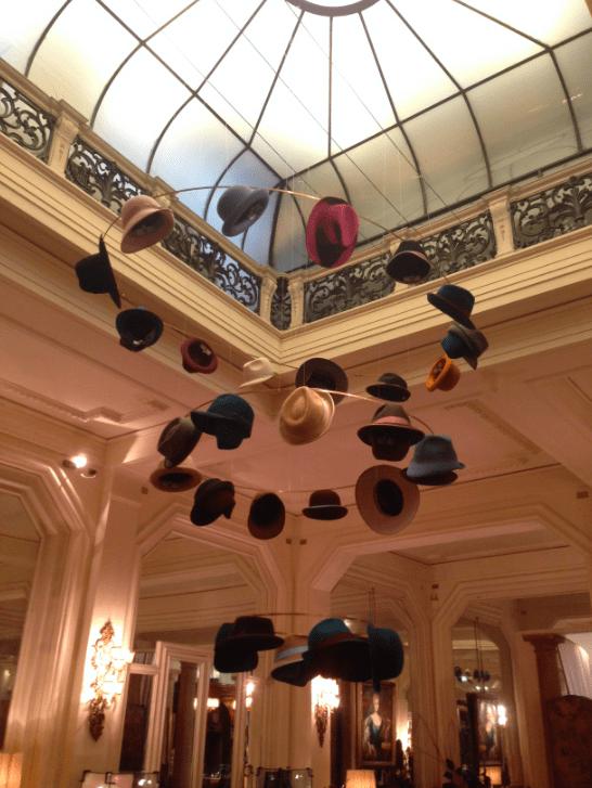 Hüte Chandelier Hotel Mailand Modepilot