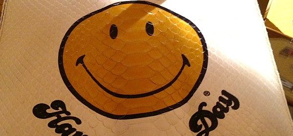 Smiley-Shopper von Anya Hindmarch