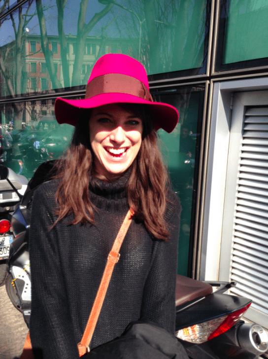 Violett Hut Modepilot bei Armani