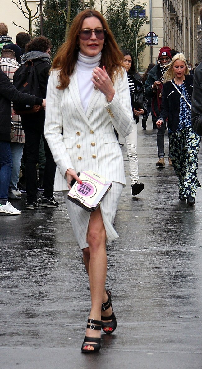 Modepilot-Clutch-Mode-Streetstyle-Fashion-Kostüm