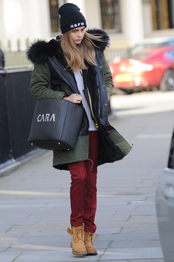 V.COM_FENDI_Anna_Intrecciato_Bag_for_Cara_Delevingne