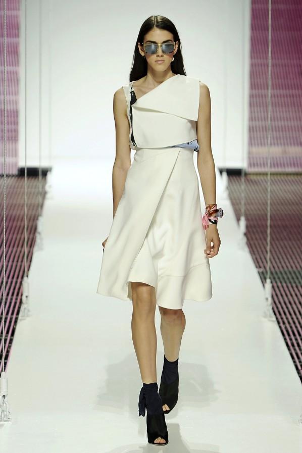Dior Cruise: das schlichte weiße Kleid, das immer passt.
