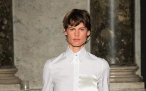 Kurzhaarfrisur short hair 2015 trend Saskia de Brauw Ports 1961 Modepilot
