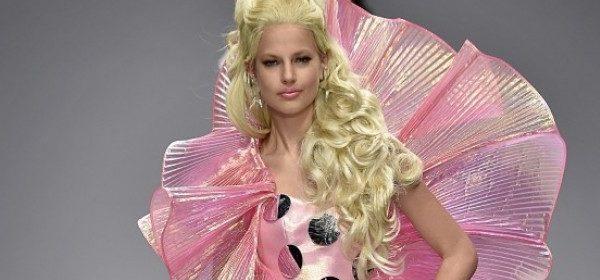 Um Himmels willen! Eine Moschino-Barbie!