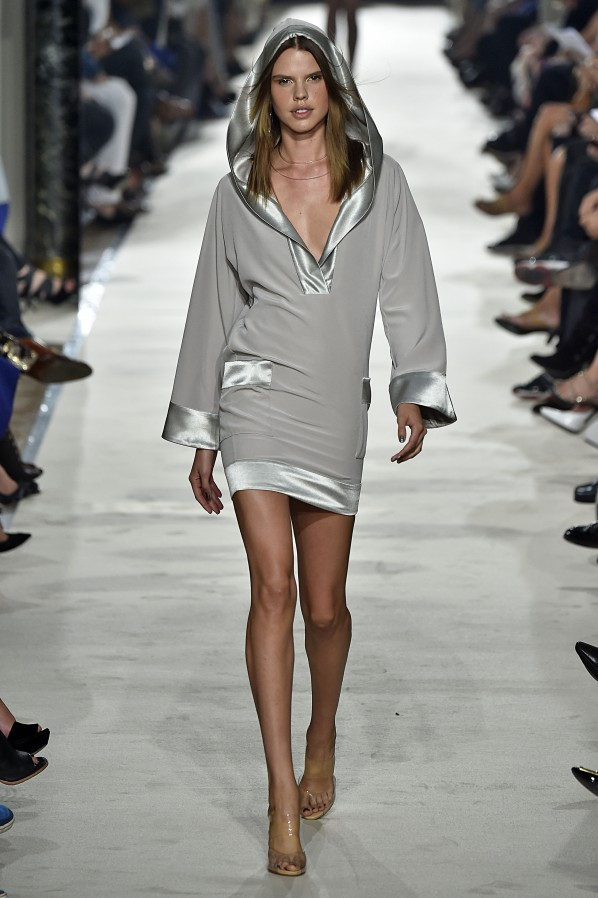 alexis_mabille_ss15_0102