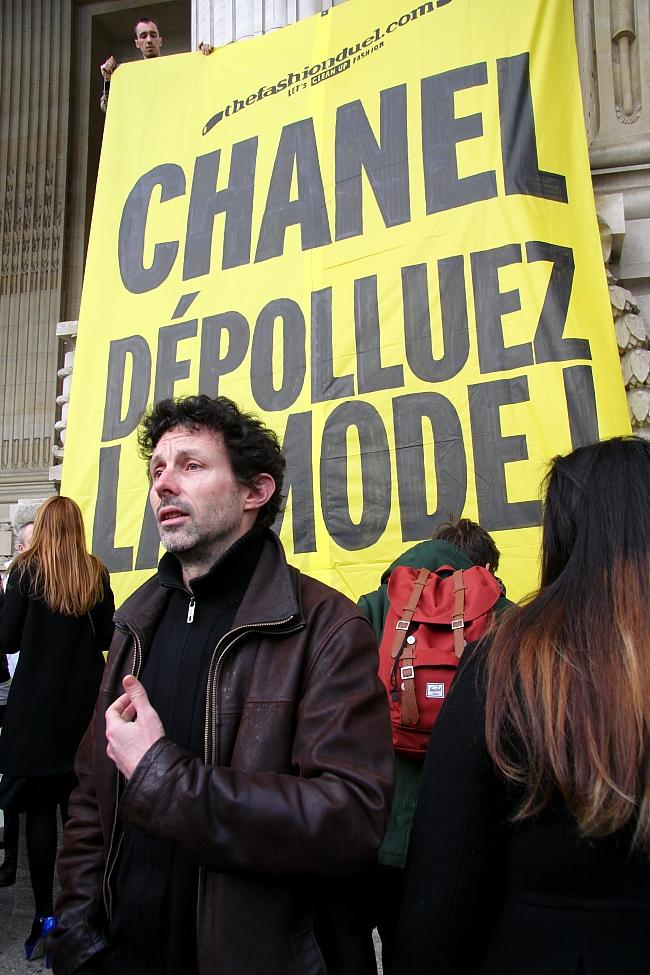 Greenpeace Demo vor Chanel im März 2013