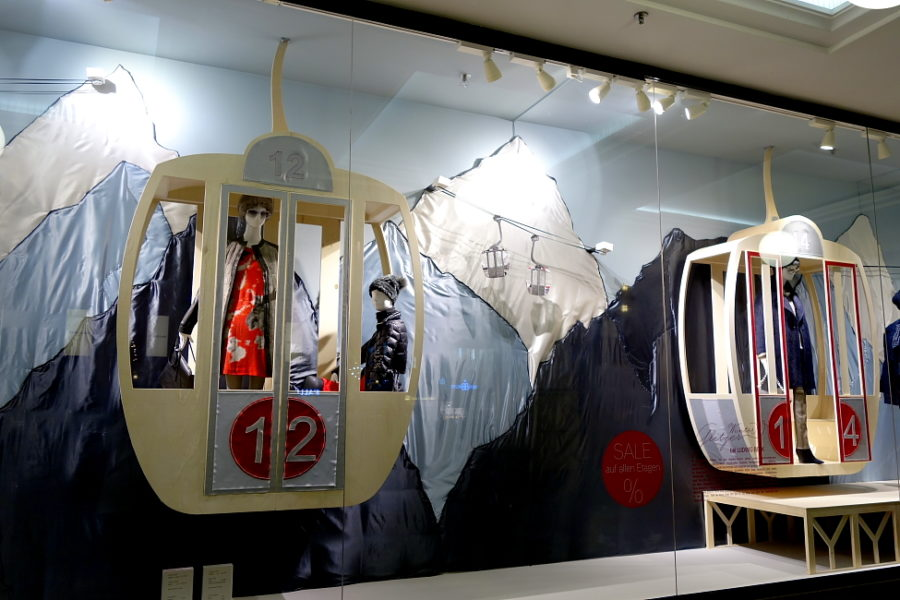 weihnachtsschaufenster 2014 aus paris modepilot. Black Bedroom Furniture Sets. Home Design Ideas