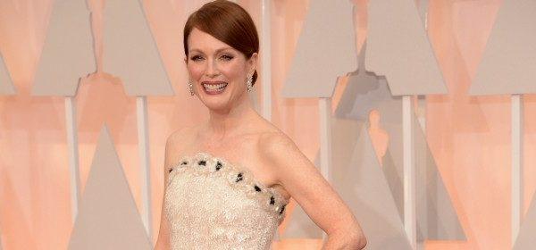 Wie Julianne Moore's Oscar-Robe entstand